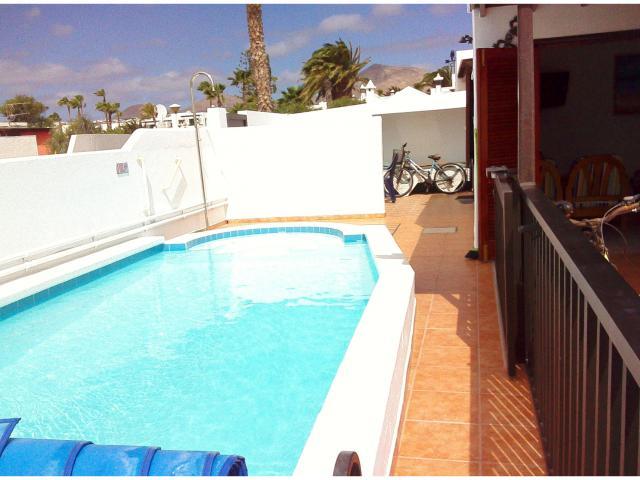 Luxury 3 bed villa, sleeps 6,  solar heated & acclimatized private pool, 3 mins walk to beach, shops. restaurants and entertainment Sky HD, Telly club