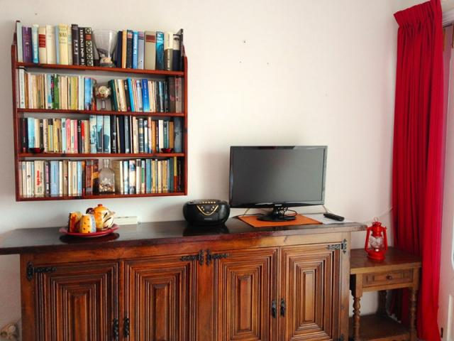 Entertainment station with cable tv - Lovely Seaview Apartment , Puerto del Carmen, Lanzarote