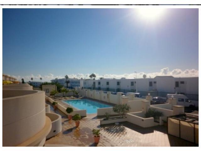 Luxury, modern,2 Bedroom, 1st Floor Apt with Wi-Fi, UK TV, Air-Con and Communal Pool