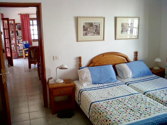 Double Bedroom + tv + free view & dvd   - Casa Dasha , Matagorda, Lanzarote