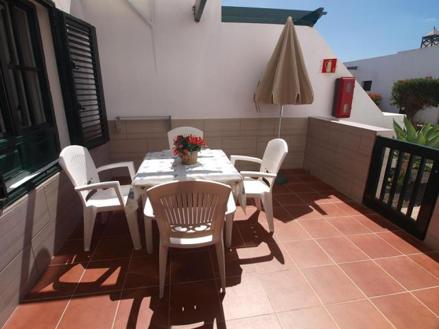 Outdoor dining area - Terrace - Club Valena Apartments, Matagorda, Lanzarote