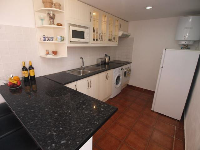 Kitchen - Club Valena Apartments, Matagorda, Lanzarote