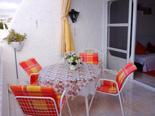 Outdoor dining table - Lovely Seaview Apartment , Puerto del Carmen, Lanzarote