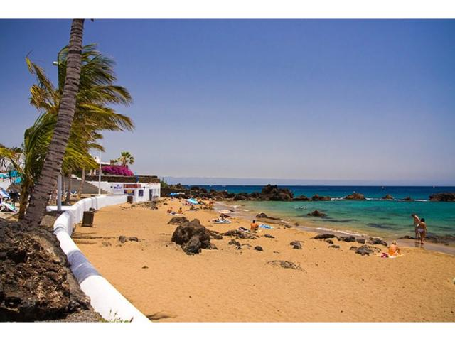 500 mt from Playa Chica - Lovely Seaview Apartment , Puerto del Carmen, Lanzarote