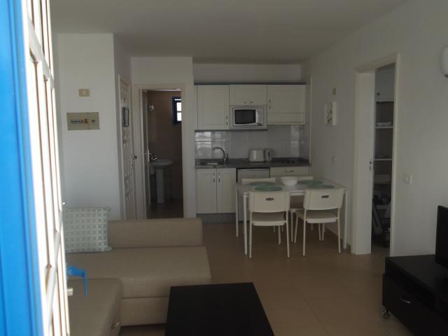 - Apartmentos Atalaya, Puerto del Carmen, Lanzarote