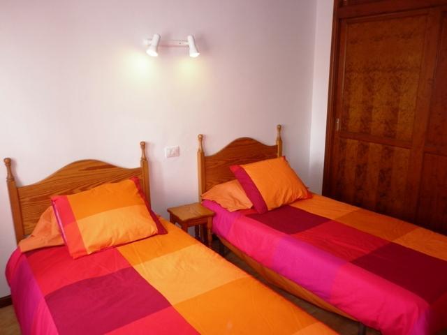 Twin Bedroom - Barranco Seco, Puerto del Carmen, Lanzarote