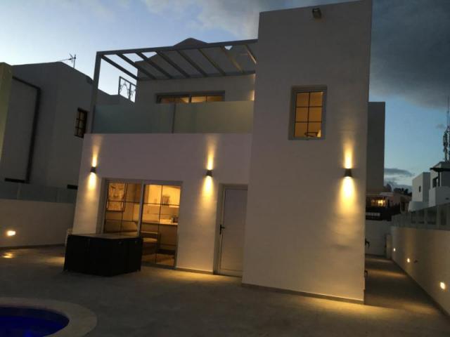 Villa at night - Casa de Gales, Puerto del Carmen, Lanzarote