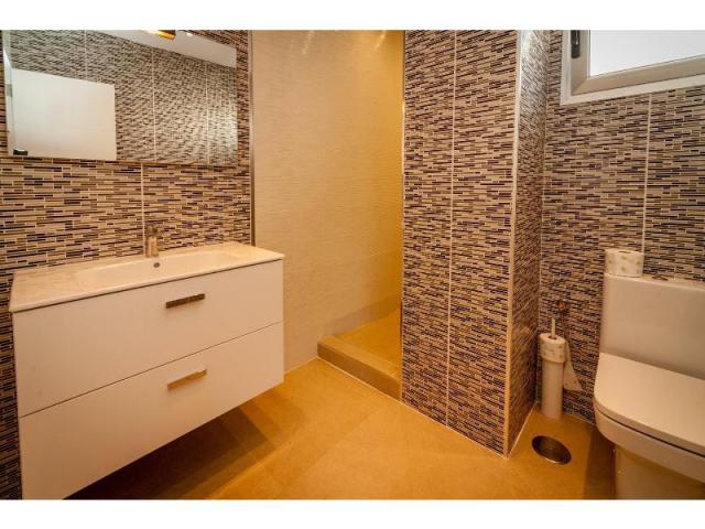 Bathroom(2) - Casa de Gales, Puerto del Carmen, Lanzarote