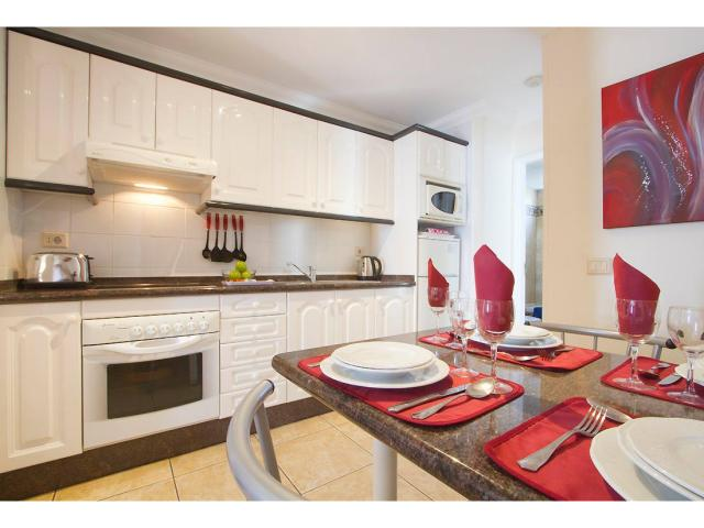 Fully equipped kitchens - 1 Bed - Diamond Club Calypso, Puerto del Carmen, Lanzarote