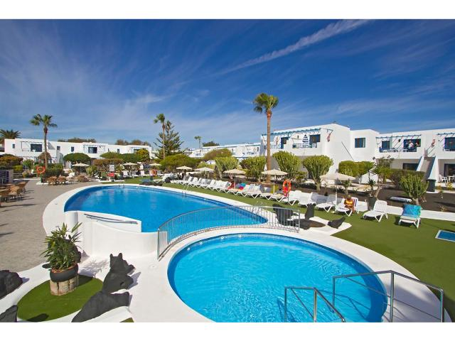 Swimming pool has a childrens section - 1 Bed - Diamond Club Calypso, Puerto del Carmen, Lanzarote