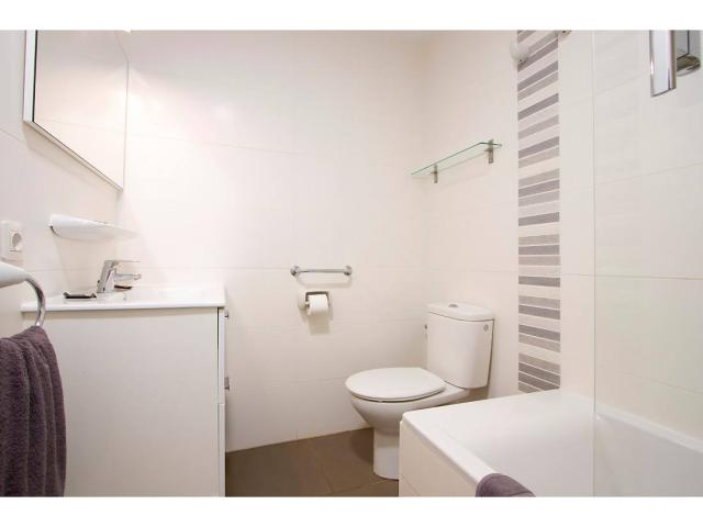All bathrooms have bath & shower - 1 Bed - Diamond Club Maritima, Puerto del Carmen, Lanzarote