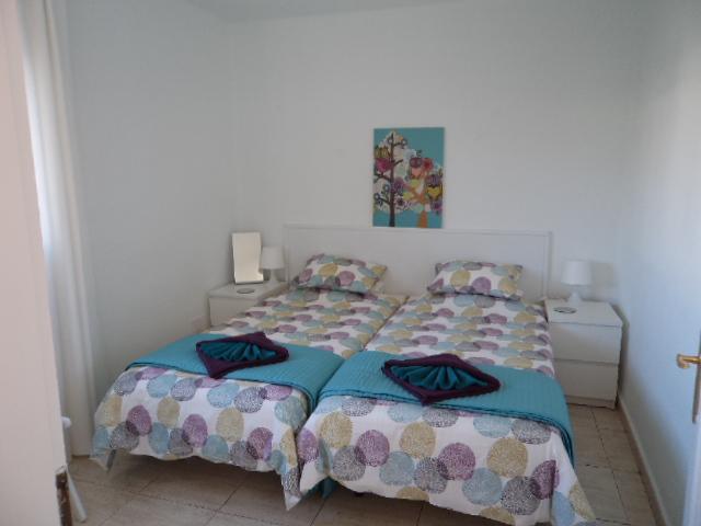 twin bedroom - Casa 261 . , Puerto del Carmen, Lanzarote