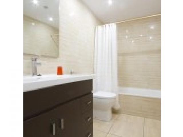 Bathroom - Columbus 5B, Puerto del Carmen, Lanzarote