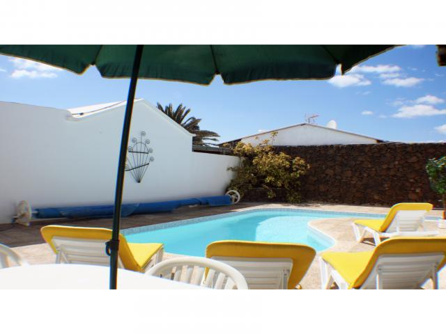 Al-fresco dining by private pool! - Private 3 bed villa, Puerto del Carmen, Lanzarote