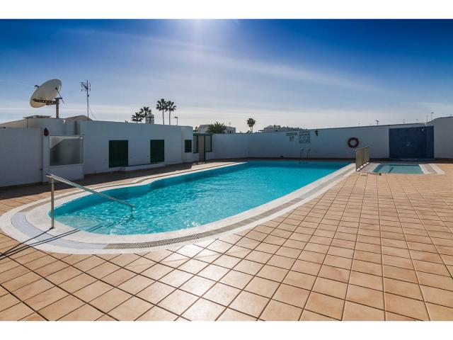 Communal pool - Green apartment, Puerto del Carmen, Lanzarote