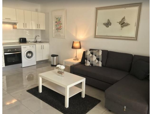 Kitchen area - Apartment L16, Puerto del Carmen, Lanzarote