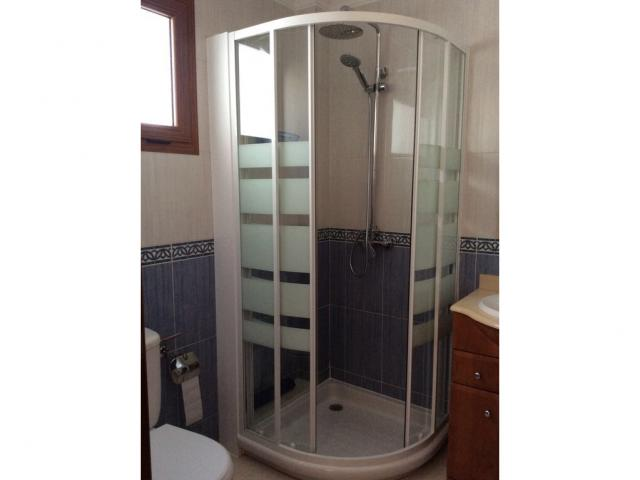Ground floor shower room  - Calle Burgao, Puerto del Carmen, Lanzarote