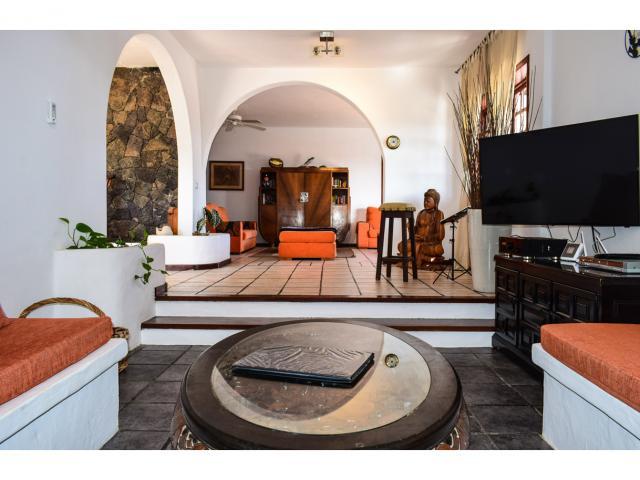 Lounge area - Villa Kura, Puerto del Carmen, Lanzarote