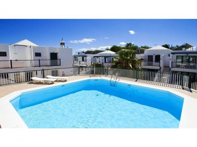 A wonderful 2 bed apartment with panoramic sea views in the heart of PDC FREE Wifi
